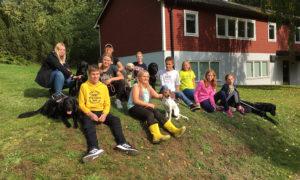 Hundläger för synskadade barn och ungdomar